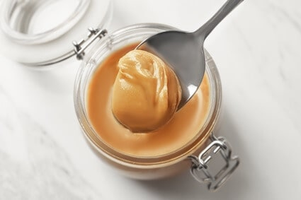 is peanut butter toxic to cats?