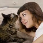 can cats sense illness in a person?